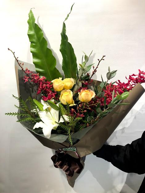 花束男性・女性を選ばない、落ち着いた雰囲気の花束!
